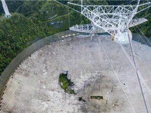Sụp đổ kính viễn vọng vô tuyến khổng lồ ở Puerto Rico