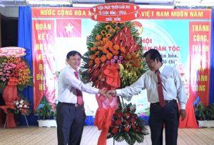 Tham dự và tặng hoa ngày hội đoàn kết dân tộc 2020